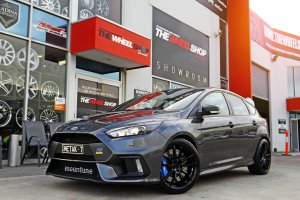FORD FOCUS RS WITH KOYA WHEELS |  | FORD