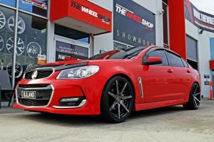 HOLDEN VF WITH 20 INCH VERTINI DYNASTY WHEELS |  | HOLDEN