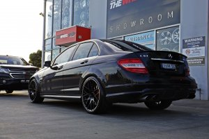 MERCEDES C63 AMG WITH HR M02 WHEELS  |  | MERCEDES
