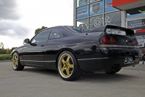 NISSAN SKYLINE WITH 18 INCH SIMMONS FR1 WHEELS |  | NISSAN