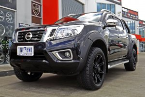 NISSAN NAVARRA WITH 20 INCH BLADE SERIES V  |  | NISSAN