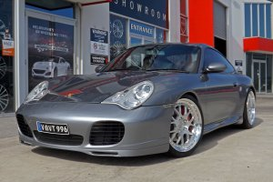 PORSCHE 911 C4S WITH 20 INCH BC RACING WHEELS  |  | PORSCHE