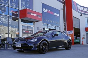 TOYOTA 86 WITH 18 INCH HR 555 WHEELS IN BLACK  |  | TOYOTA