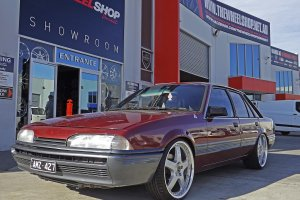 HOLDEN VL COMMODORE WITH 20 INCH SIMMONS FR1 WHEELS  |  | HOLDEN