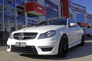 MERCEDES C63 WITH 20 INCH MESH WHEELS WITH RED LIP |  | MERCEDES