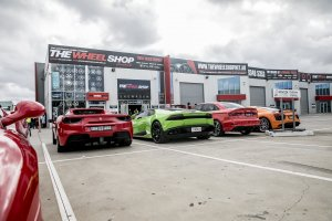 SUPERCARS AT WHEEL SHOP |  | FERRARI