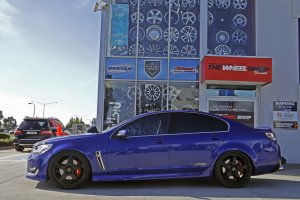 HSV VY WITH SIMMONS FR1 WHEELS  |  | HOLDEN