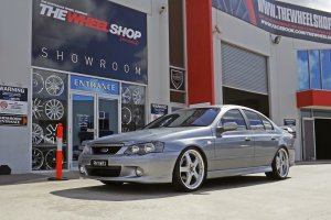 FORD BA FALCON XR6 WITH 20 INCH SIMMONS FR1 WHEELS  |  | FORD