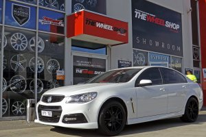 HOLDEN COMMODORE WITH 20 INCH KOYA WHEELS  |  | HOLDEN