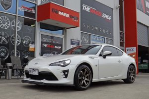 TOYOTA 86 WITH 18 INCH HR 556 WHEELS IN BRONZE  |  | TOYOTA