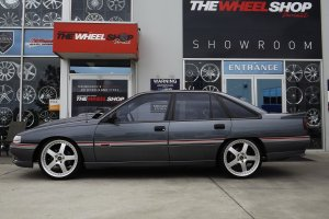 HOLDEN VN SS WITH SIMMONS FR1 WHEELS  |  | HOLDEN