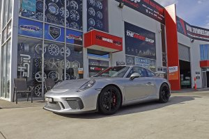 PORSCHE 911 GT3 FITTED WITH MICHELIN PILOT SPORT TYRES  |  | PORSCHE