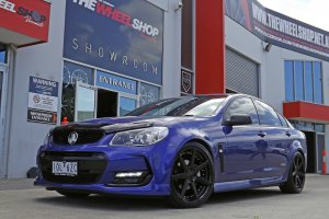 HOLDEN COMMODORE WITH VERTINI DYNASTY WHEELS  |  | HOLDEN