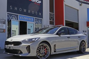 KIA STINGER WITH 20 INCH NICHE WHEELS  |  | KIA
