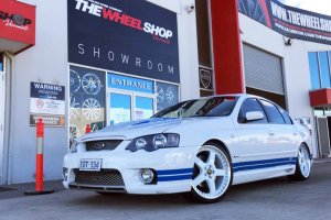 FORD FPV WITH 20 INCH SIMMONS FR1 WHEELS |  | FORD