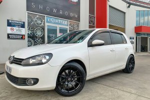 VW GOLF WITH 18 INCH XXR WHEELS  |  | VW