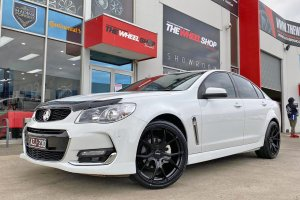 HOLDEN VF WITH 20 INCH HUSSLA WHEELS  |  | HOLDEN