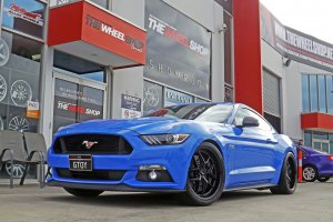 FORD MUSTANG WITH NICHE WHEELS |  | FORD